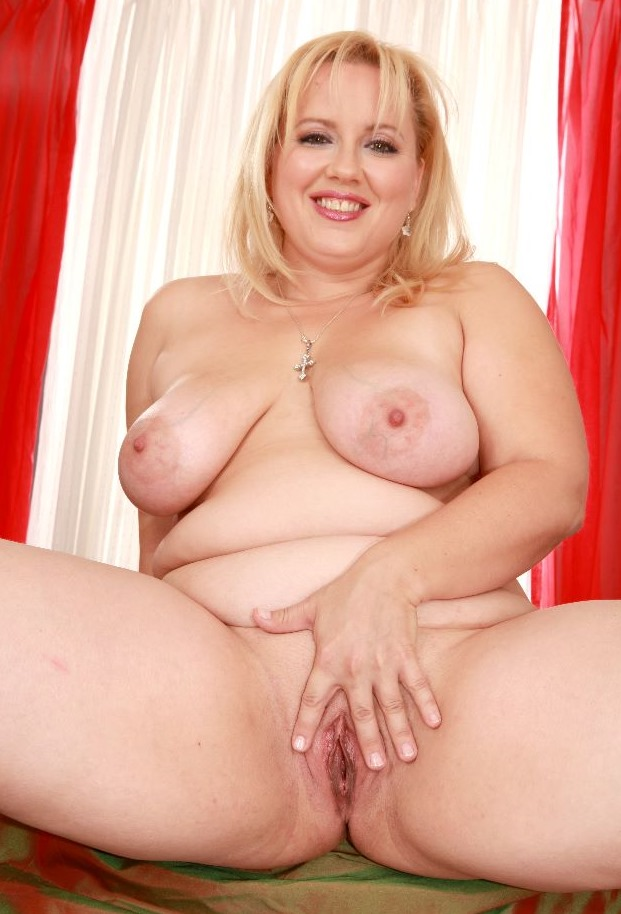 Mature chubby porn